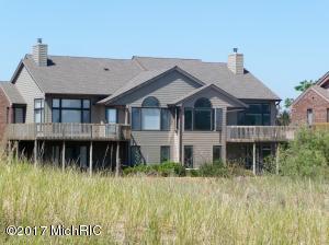 Property for sale at 182 Harbor Drive, Ludington,  MI 49431