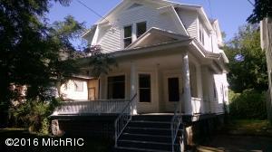 718 W CEDAR Street, Kalamazoo, MI 49007