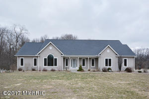 Property for sale at 3505 N 38th Street, Augusta,  MI 49012