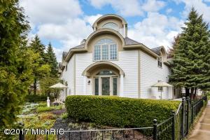 Property for sale at 140 North Shore Drive Unit 2, South Haven,  MI 49090