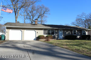 Property for sale at 1076 Ivanhoe Drive, Muskegon,  MI 49445
