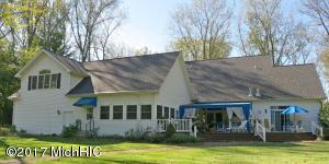 1295 Blackhawk Trail, Benton Harbor, MI 49022