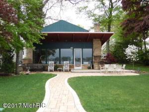 23700 South Shore Edwardsburg, MI 49112