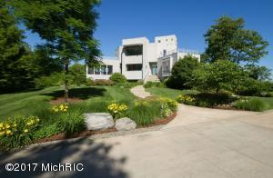 7400 Pinnacle, South Haven, MI 49090