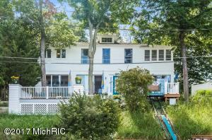 16 Edward Avenue, Grand Haven, MI 49417