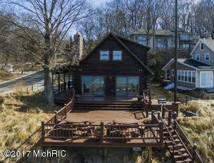 Property for sale at 10 Grand Avenue, Grand Haven,  MI 49417