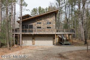 Property for sale at 6915 Stonebridge Trail, Fennville,  MI 49408