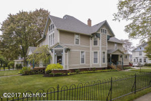 Property for sale at 229 Michigan Avenue, South Haven,  MI 49090