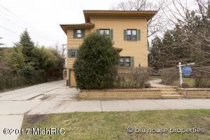 152 College, Grand Rapids, MI 49503