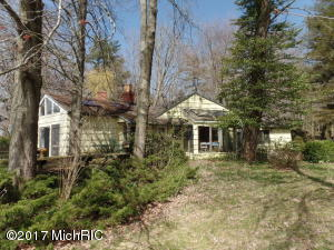 Property for sale at 2572 Lakeshore Drive, Fennville,  MI 49408