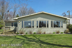 Property for sale at 635 Lakeshore Drive, South Haven,  MI 49090