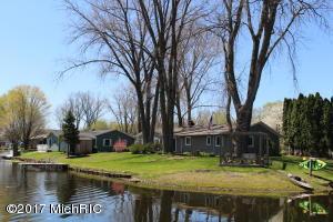 46954 Meadow Decatur, MI 49045