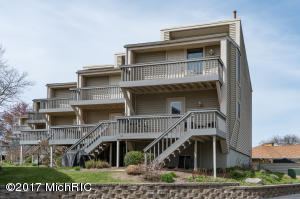 Property for sale at 69 North Shore Drive Unit 23, South Haven,  MI 49090