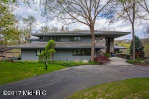 1755 Beard Drive, Grand Rapids, MI 49546