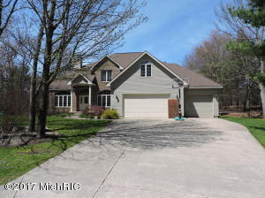 15200 Oakwood Drive, Big Rapids, MI 49307