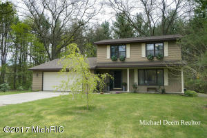 6360 Old Allegan Road, Saugatuck, MI 49453