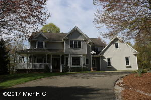 6440 Oakridge Drive, Holland, MI 49423