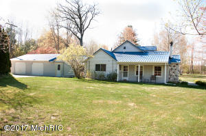 10727 Riverview Drive, Big Rapids, MI 49307