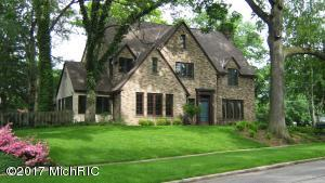 801 Cambridge Drive, East Grand Rapids, MI 49506