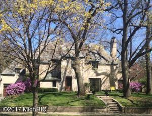 976 Cambridge Drive, East Grand Rapids, MI 49506