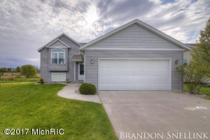 200 Sweet Meadow Drive, Kent City, MI 49330