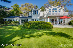 560 Glenwood Avenue, Muskegon, MI 49445