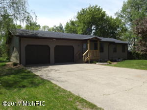 30 126th Avenue, Wayland, MI 49348