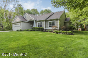 Single Family Home for Sale at 16070 Timber Ridge Nunica, Michigan 49448 United States
