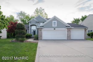 5456 E Heathwood, Kentwood, MI 49512