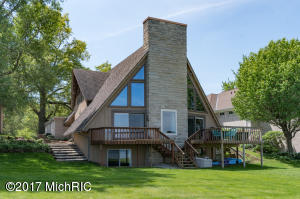 3405 Woodhams Portage, MI 49002