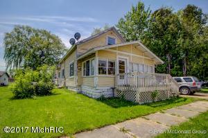 186 W Oak Street, Sand Lake, MI 49343