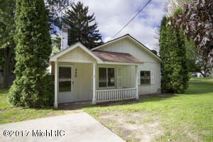 350 E Muskegon Street, Cedar Springs, MI 49319