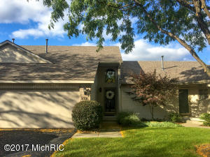 2321 SE Highland View Circle 21, Grand Rapids, MI 49546