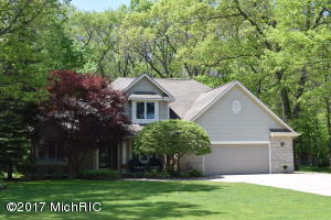 13807 Hofma Drive, Grand Haven, MI 49417