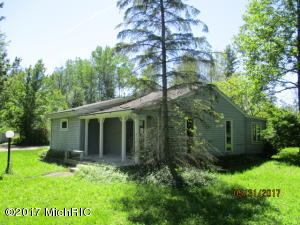 Property for sale at 48969 42nd Street, Paw Paw,  MI 49079