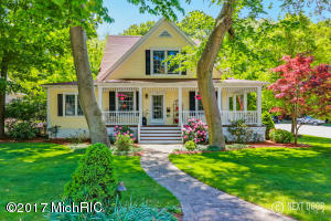 104 Williams Street, Grand Haven, MI 49417
