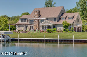 24511 Seaside Edwardsburg, MI 49112