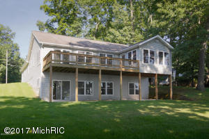 10615 Woodlawn Portage, MI 49002