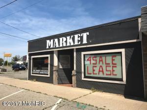 689 Michigan Avenue, Holland, MI 49423