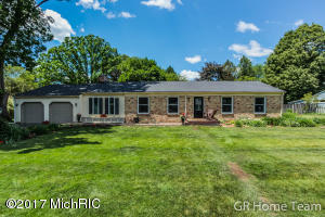 393 Pebble Beach Drive, Grand Rapids, MI 49546