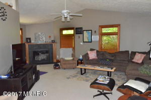 663 LUGERS ROAD, HOLLAND, MI 49423  Photo 5