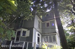 27 Crescent Hill, Grand Haven, MI 49417