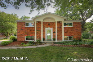 5089 Natchez Court, Rockford, MI 49341