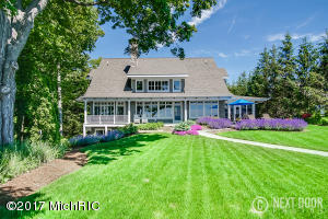 5933 Lakeshore Drive, Holland, MI 49424