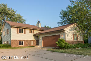 2630 De Laat Avenue, Wyoming, MI 49519