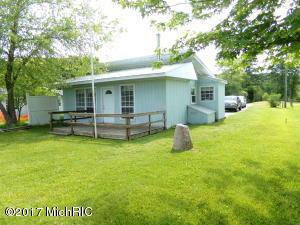 17770 Simmons Avenue, Sand Lake, MI 49343