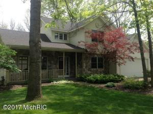 2933 Riverwoods Drive, Rockford, MI 49341