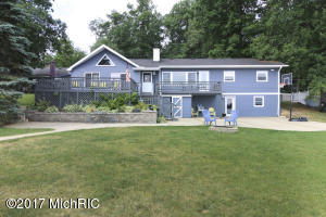 10505 Woodlawn Portage, MI 49002