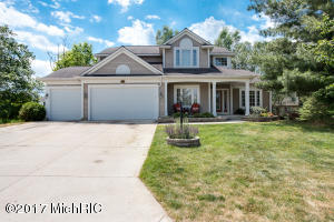 7910 E Dogwood Meadows Court, Ada, MI 49301