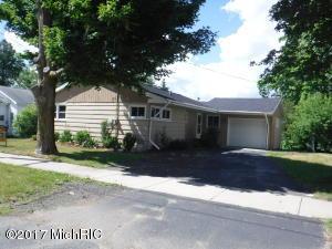 69 Oak Street, Cedar Springs, MI 49319